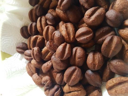 Маслени бисквити с кафе
