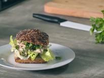 Сандвич с риба тон, целина и майонеза