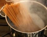 Спагети с кюфтета от нахут 7