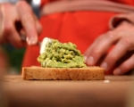 Сандвичи със салата от намачкан нахут 6
