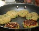 Картофени кюфтета със зелен сос 3