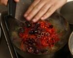 Агнешко с печени чушки и маслини 3