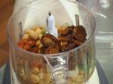 Фасулена разядка със сушени домати 4