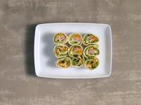 Рулца с риба тон и зеленчуци