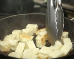 Салата от пресни картофи, репички и халуми 3