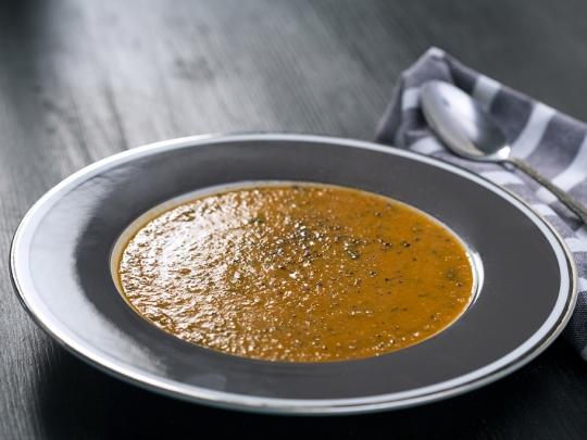 Крем супа с боб и домати