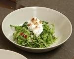 Зелена салата с цедено мляко 3