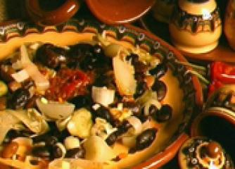 Коледна боб салата