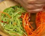 Намачкана салата с моркови и краставици 2