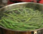 Салата от зелен фасул с таханов сос