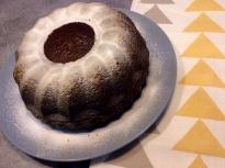 Кекс със сладко и амарето