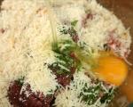 Бургери с кюфтета и доматен сос 2