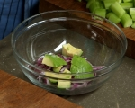Салата от краставици с авокадо и мента 2