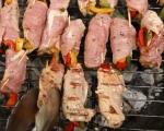 Рула от свинско с плънка от чушки на грил 7