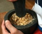 Гризини с лешници и семена 4