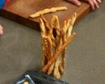 Гризини с лешници и семена 8