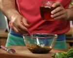 Доматена салата с ароматни трохи 3