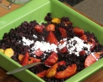 Коблер с нектарини и боровинки 2