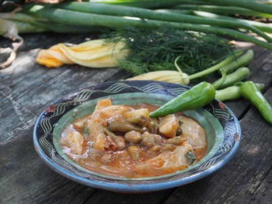 Яхния с бакла и картофи
