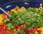 Топла салата с царевица 4