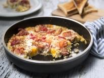 Яйца с бекон на фурна