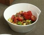 Салата от тиквички и домати 4