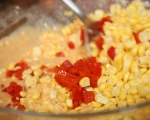 Царевични палачинки с доматена салца 4