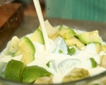 Сладолед с авокадо и кокосови бисквити