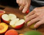 Салата от плодове на грил с крем от козе сирене 2