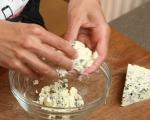 Печени филийки с кайсии и синьо сирене 3