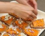 Печени филийки с кайсии и синьо сирене 4