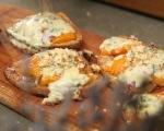 Печени филийки с кайсии и синьо сирене 6