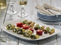 Зеленчукови рулца с пастет