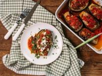 Печен патладжан с перлен ориз и домат...