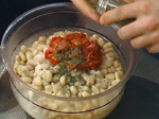 Кюфтета от зрял фасул със сос от праз 2