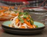 Пикантна салата от моркови и ряпа 5