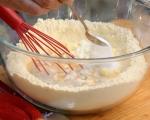 Обърнат царевичен кейк с домати 3