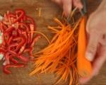 Скариди с броколи, моркови и червена чушка 3