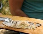 Риба с лайм и риган на дъска 6