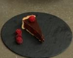 Шоколадов тарт с малини 9