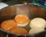 Понички с крем сирене и солен карамел 6