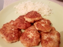 Пилешки кюфтета с моцарела