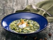 Супа от броколи с лешници
