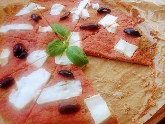 """Пица """"Маргарита"""" с просо, микс от семена и тофу"""