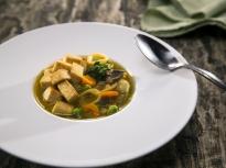 Зеленчукова супа с паста и тофу
