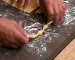 Караньоли (пържени италиански сладки) 5