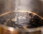 Сушени сини сливи с кафе и шоколад