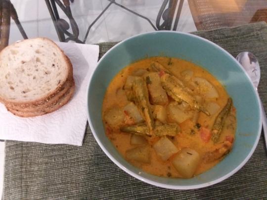 Яхния от бамя, картофи и зеленчуци