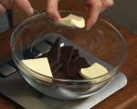 Шоколадов кейк с бял течен център