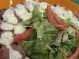 Зелена салата с езичета и лимоново-яй...